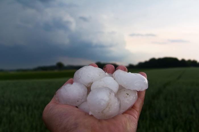 hail-3174126_1920